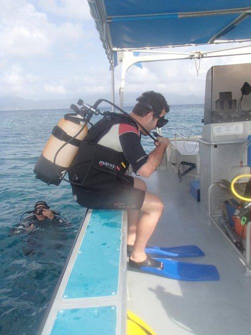 photo matériel de plongée sous-marine ; snorkeling mares/scubapro