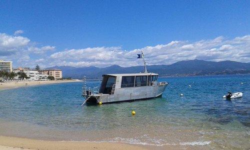 photo bateau aluminium moteur