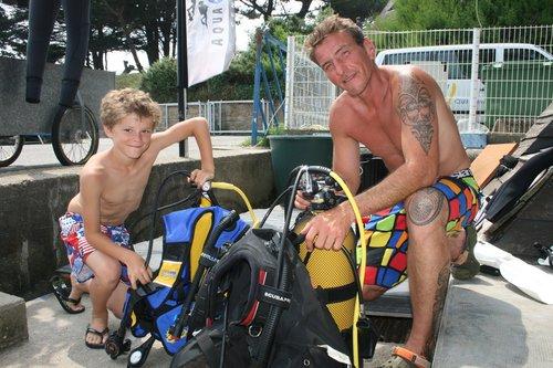 photo matériel de plongée sous-marine et snorkeling aqualung