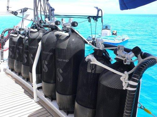 photo matériel de plongée sous-marine scubapro
