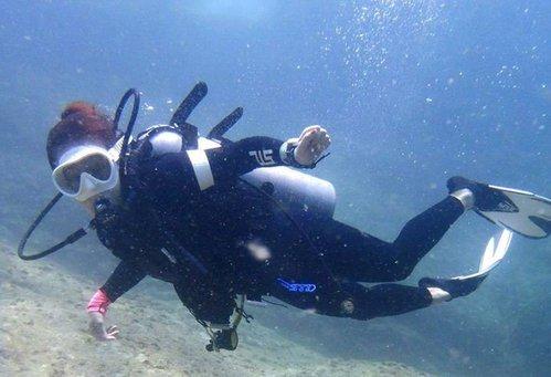 photo plongée bouteille; palmes-masque-tuba; combinaisons scubapro / aqualung